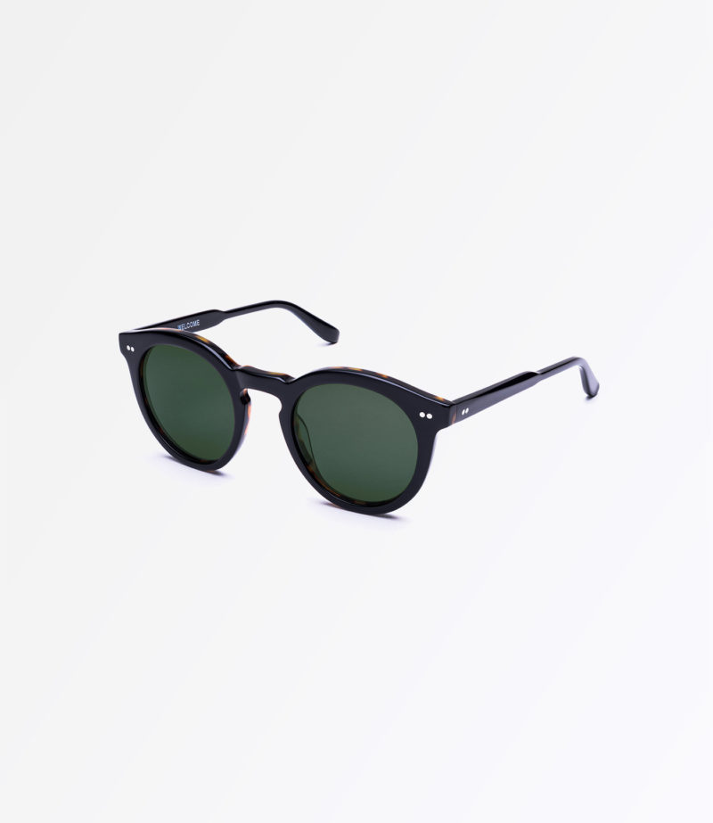 https://welcomeeyewear.com/wp-content/uploads/2019/01/rx29-sigBlack-side.jpg